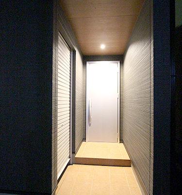 姫路市の注文住宅  スタイリッシュな玄関