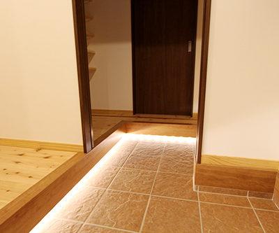 姫路市の注文住宅  玄関照明